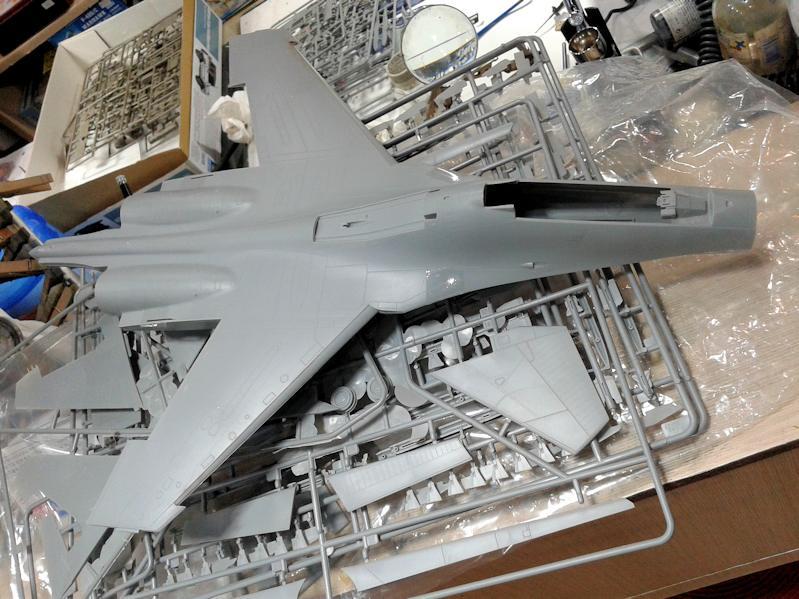 trumpeter 48 su-27ub.jpg