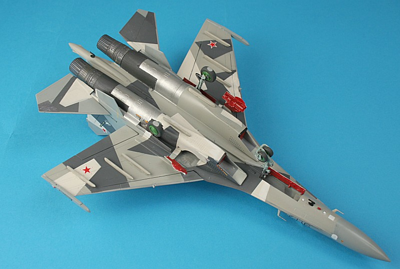 http://www.flankers-site.co.uk/model_su-35_files/su-35_045.jpg
