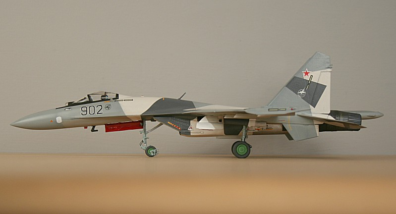 http://www.flankers-site.co.uk/model_su-35_files/su-35_049.jpg