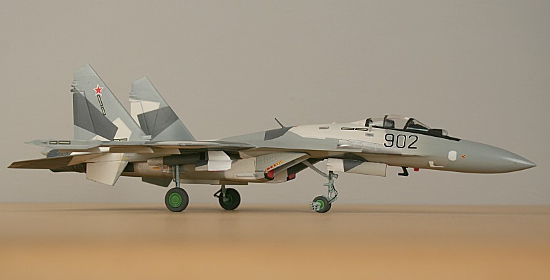 http://www.flankers-site.co.uk/model_su-35_files/su-35_053.jpg