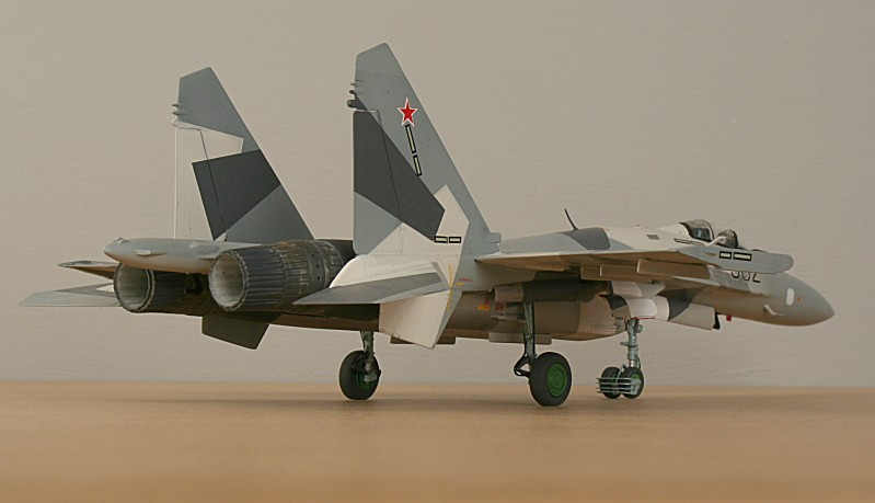 http://www.flankers-site.co.uk/model_su-35_files/su-35_054.jpg