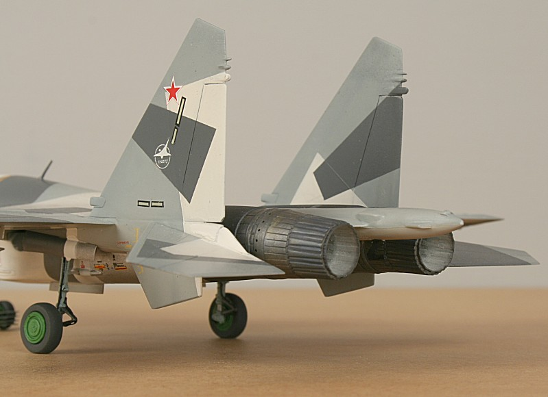 http://www.flankers-site.co.uk/model_su-35_files/su-35_056.jpg