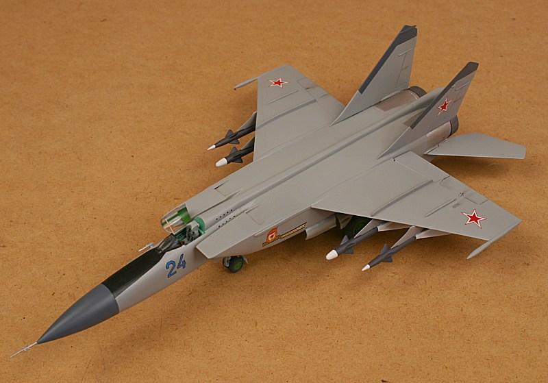 Revell 04589 MiG-25 PD Foxbat A Plastic Model Kit