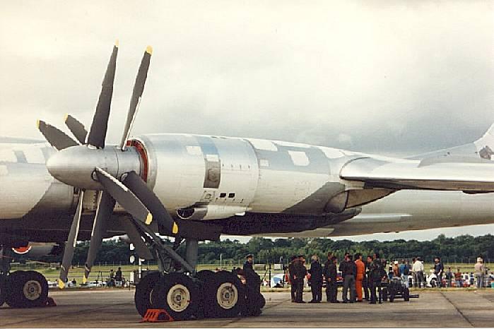 tu-95_26.jpg
